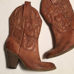 Mia Faux Leather Western Ankle Boot sz 7-1/2